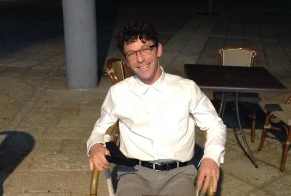 Dr Raphael Levy